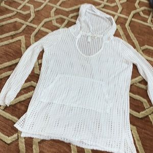 EUC Fabletics small mesh white hooded top